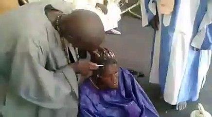 Un Baye fall rasé par les talibé !