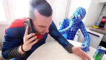 Hulk BREAKS Spiderman's Superman's PHONE! w_ Frozen Elsa Joker Gumball Machine Fun in Real Life-Hb7XEK