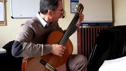 A la rencontre de Norbert, malentendant… et professeur de guitare