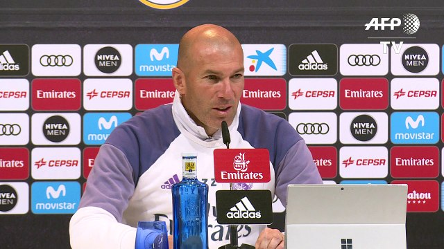 """Présidentielle: Zidane appelle à """"éviter"""" le Front national"""
