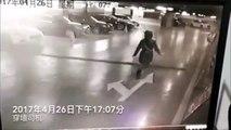 Il perd le controle de sa voiture dans un parking sous-terrain et s'encastre dans le bureau