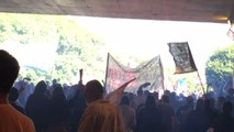 Marchers Block Street, Sing 'Out With Temer' During General Strike in Porto Alegre