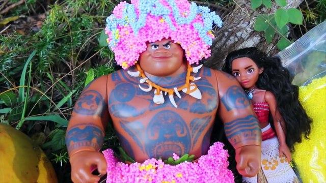 FAKE POO_ Disney Moana PRANKS MAUI ~ Funny Barbie Parody FOOD Pudding Prank Hei Hei