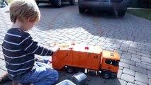 Bruder Toy Trucks for Children - Backhoe Excavators, Dump Trucks, Garbage Trucks & Fire Engine-CNbzY1