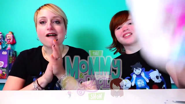 Surprise Silly Squishies Package Christmas Squishy and Mommy Freaks Out Over Rolls-m7bLArEi5