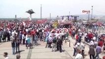 Izmir'deki Kutlama Coşkulu Başladı
