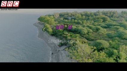 Ungu - Setengah Gila(Official Music Video)