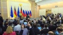 """Putin, Angela Merkel'le Görüştü- Rusya Devlet Başkanı Vladimir Putin: - """"Kimyasal Silahların..."""