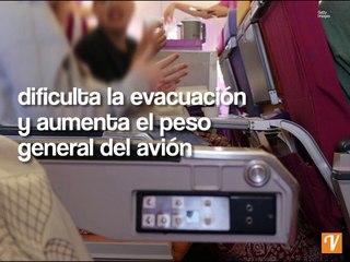 Las azafatas gordas son un peligro para los vuelos