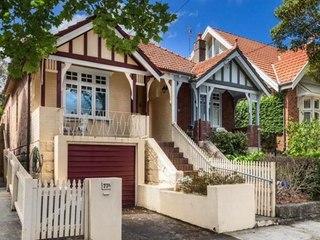 Stariji bračni par odlučio prodati kuću