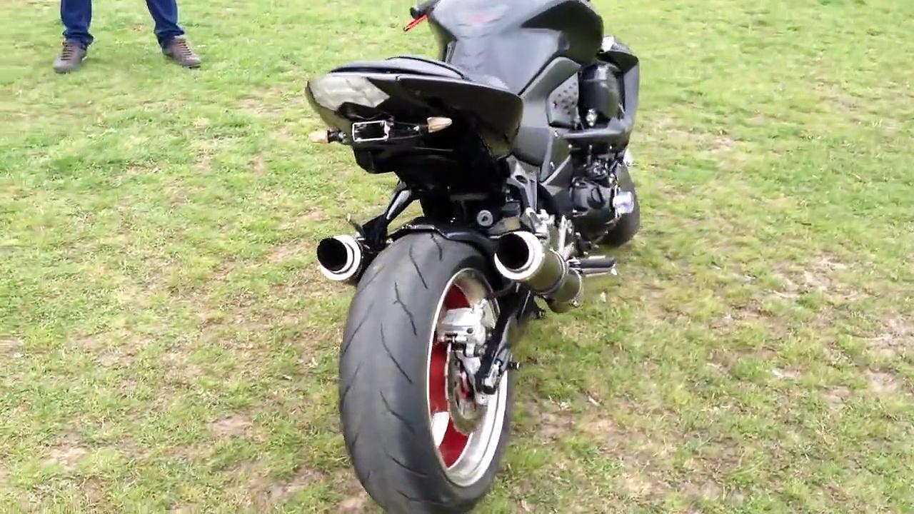 Kawasaki Z100V Carbon