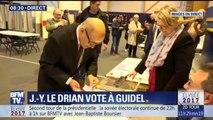 Le ministre de la Défense Jean-Yves Le Drian a voté à Guimel, dans le Morbihan