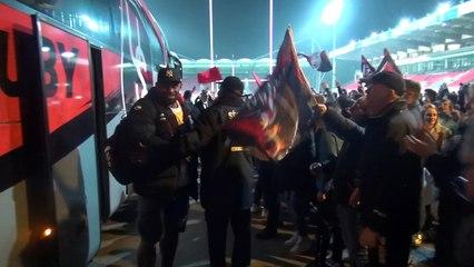L'arrivée des joueurs devant leur public à Mathon.
