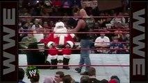 'Stone Cold' drops Santa Claus wi a Stunner - Raw, De