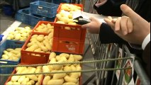 Des Bastognards explosent le record d'épluchage de patates détenu par des Américains