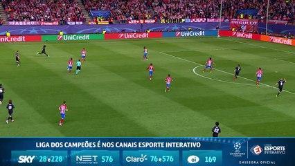 Karim Benzema cabeceia bem, mas erra o gol de Jan Oblak