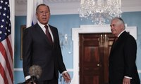 Russian foreign minister feigns shock over firing of James Comey - video