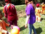 video famili gatering mutiara bunda meniup balon 11 mei 2017