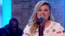 Original American Idol Kelly Clarkson Joins 'The Voice'