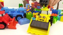 BOB the Builder Can't Count! TOY TRAIwwNS Number Game with LEGO Construction Toy