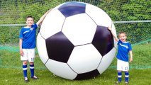 LE PLUS GRAND BALLON DE FOOTBALL DU MONDE !  Foot Géant pour l'UEFA EURO 2016 !