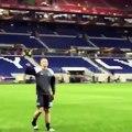 À 17 ans, Matthijs de Ligt mène les chants de la victoire de l'Ajax Amsterdam face à Lyon
