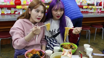 Shingil Dong Hot Jjambbong MukBang, makes you feel Hell & Ending a Friendship, with Sini[ChaechaeTV]