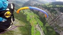 Suizo loco decidió columpiarse desde un parapente sobre los Alpes