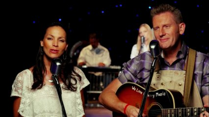 Joey+Rory - How's The World Treating You