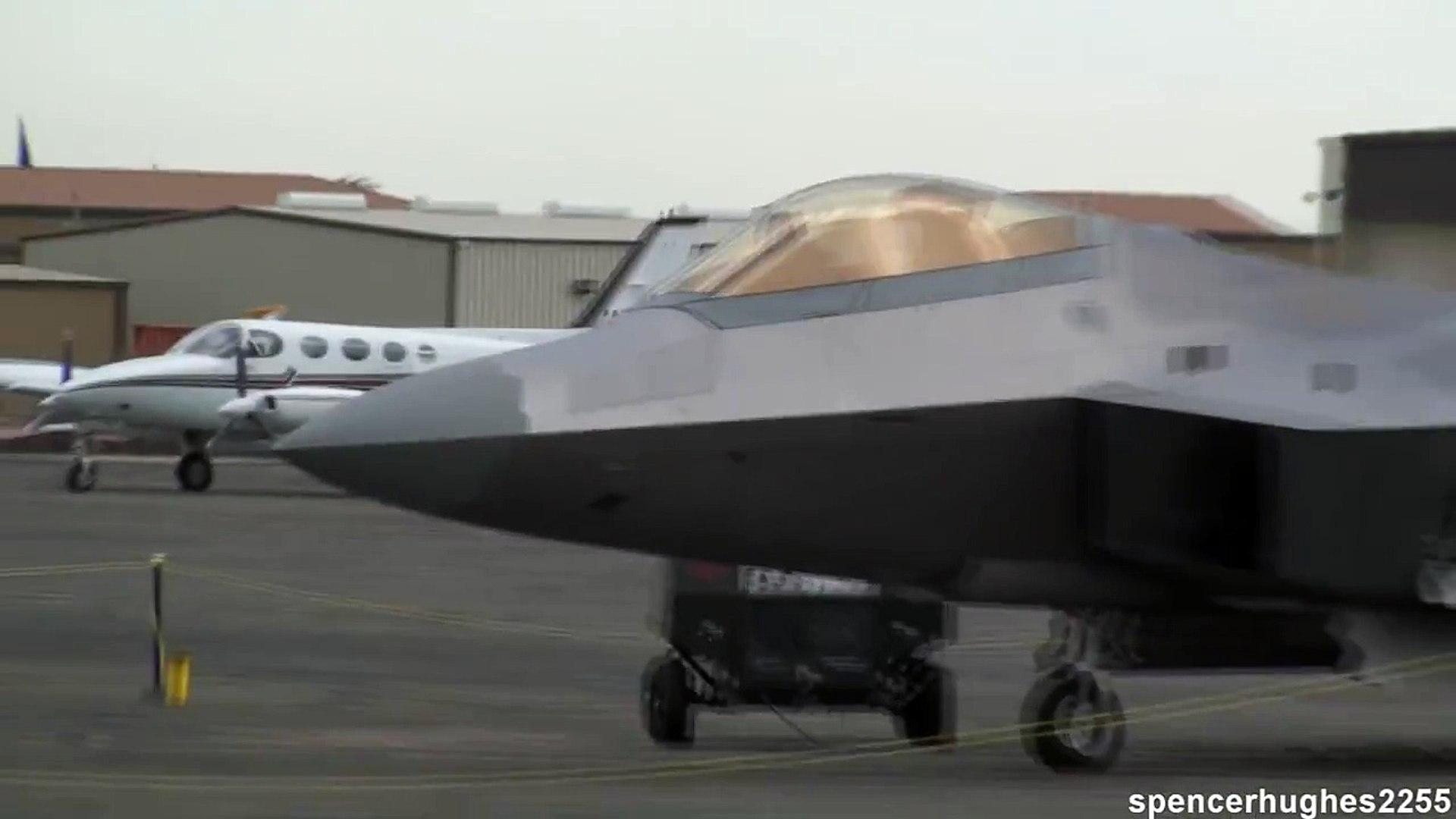2009 California Capital air show - F-22 Raptors: FF 066 04 & FF 068 04