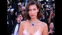 Festival de Cannes 2017 : Bella Hadid dévoile accidentellement sa culotte (Vidéo)