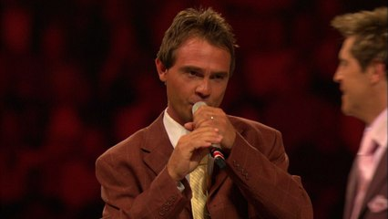 Ernie Haase & Signature Sound - Glory To God In The Highest