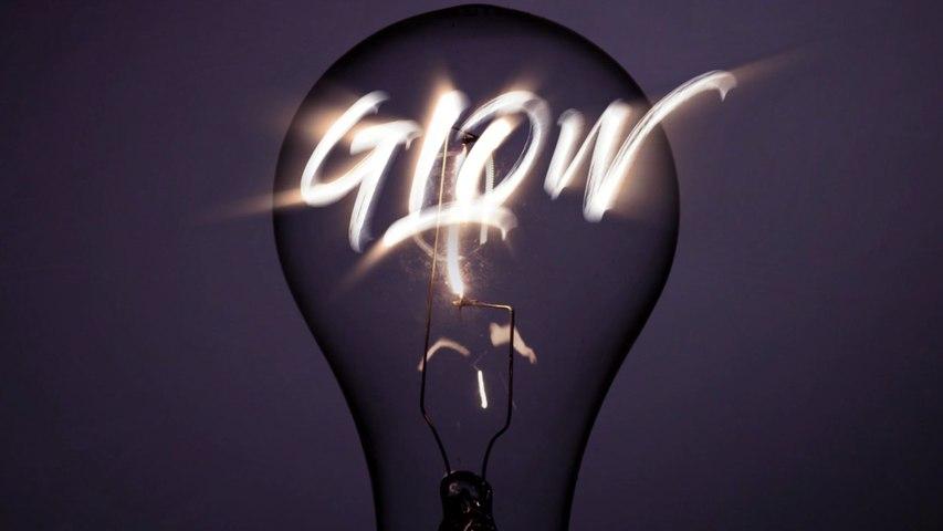 JINXY VON D'ERS - Glow