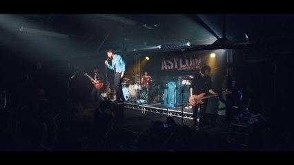 Kaiser Chiefs - Parachute - Absolute Radio Live