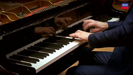 Michail Lifits - Shostakovich: 24 Preludes, Op 34 -  Prelude No.5