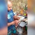 Comment vider un poisson avec des baguettes chinoises