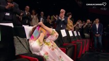 Agnès Varda gênée pendant sa standing ovation - Festival de Cannes 2017