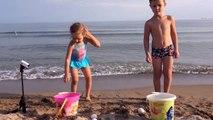 Яйцо челлендж на море Задания с яйцами на приз Жарим страусиное яйцо на костре К