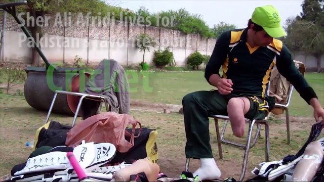 Pakistani Cricketer Bowls Them Over With Prosthetic Leg