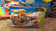Hot Wheels Stunt Street City Playset with Launching Pizza Toy Review-sfUU0vd
