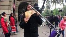 """Artista Callejero: René Traipe """"La Magia de la flauta del pan"""" - (Santiago de Chile)"""