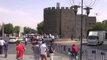 Diyarbakır'da sokağa çıkma yasağı 2'nci gününde \ 14 09 2015 \ DİYARBAKIR