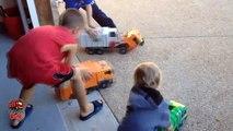 Garbage Truck Videos For Children l Automatic Front Loader Picking Up Trash l Garbage Trucks Rule-e_PuQP5de