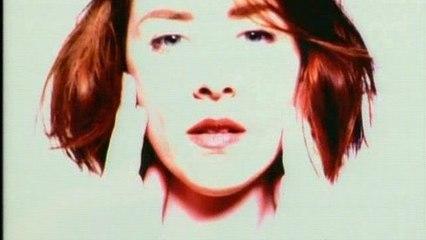 Suzanne Vega - Blood Makes Noise