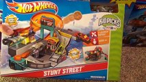 Hot Wheels Stunt Street City Playset with Launching Pizza Toy Review-sfU