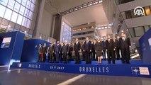 NATO Zirvesi'nde liderler 'aile fotoğrafı' çektirdi