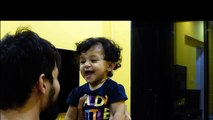 Un papa rase sa barbe et filme la réaction de sa fille