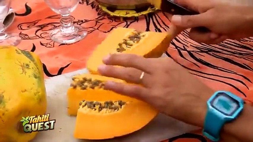 TAHITI QUEST Episode 4  - Papa Orange veut faire goûter la papaye aux enfants _ Sa