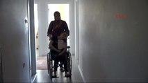 Elazığlı 19 Yaşındaki Yürüme ve Konuşma Engelli Melisa, Yardım Bekliyor