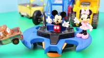 Mickey Mouse and Minnie Mouse at Disney Cars Mater Junkyard with Peppa Pig van and Batman